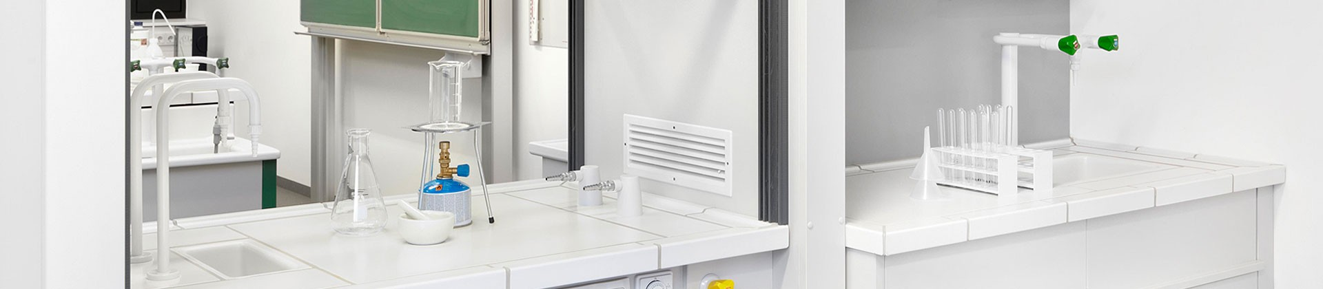 Lab sinks and fittings